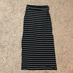 Old Navy stripped maxi Skirt